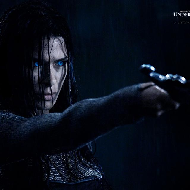 The Underworld Retina Wallpaper-daughter-underworld-2048x2048.jpg