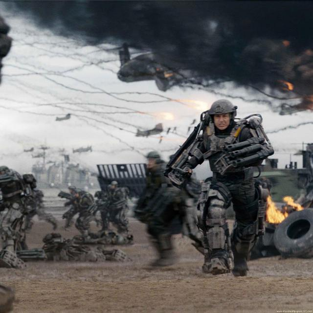 Edge of Tomorrow Retina Movie Wallpaper-edge_of_tomorrow_movie_wallpaper_4_hfbsy_2048x2048.jpg